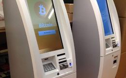 11 thứ kì quái bạn có thể rút được từ... cây ATM