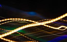 """Phát hiện dạng ánh sáng """"dị biệt"""" làm tăng tốc độ internet"""