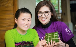 Á hậu Tú Anh lên bản gói bánh chưng, làm từ thiện