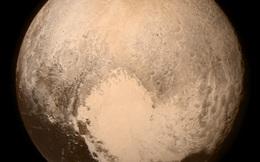 Sao Diêm Vương ẩn giấu đại dương sâu 100km và mặn như biển Chết