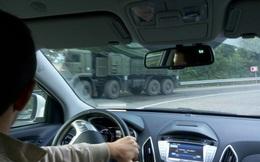 Hành quân bất cẩn, tổ hợp pháo - tên lửa Pantsir-S1 và xe tăng T-80U mới tinh gặp nạn!