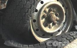 Công an nổ 6 phát súng khống chế xe chở gỗ lậu