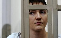 """Ukraine yêu cầu Nga """"lập tức"""" thả nữ phi công Savchenko"""