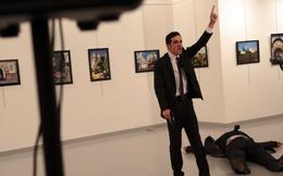 """Nhiều nghi vấn vụ ám sát Đại sứ Nga: """"Thật kinh hoàng khi sát thủ có thể lại gần đến vậy"""""""
