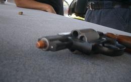 Điều gì sẽ xảy ra khi bắn mà đạn vẫn kẹt trong nòng súng ?