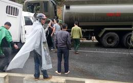 Xe công an đâm xe quân đội: Một chiến sỹ bị đứt rời 1/3 cẳng chân