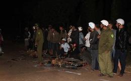Người dân đốt lửa tại hiện trường tai nạn 2 thanh niên tử vong