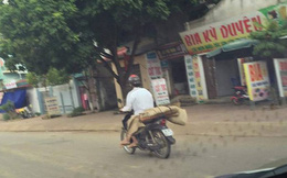 Chở thi thể người bằng xe máy: Quyền người nhà, quyền được chết và được sống của người bệnh