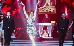 Thu Minh vô tư thay đồ, nhảy nóng bỏng