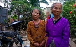 Đoàn từ thiện vừa ra khỏi nhà dân, cán bộ thôn đến thu lại tiền cứu trợ