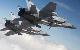 """Tiêm kích MiG-31 Nga chặn """"sát thủ săn ngầm"""" P-8 Mỹ ở Viễn Đông"""