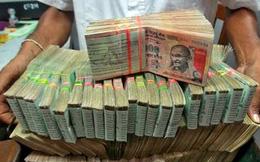 Núi tiền vô giá trị có thể kéo tụt nền kinh tế Ấn Độ