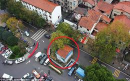 """Suốt 13 năm, căn nhà trong diện giải tỏa vẫn bám trụ như """"cái gai"""" nhức nhối trên đường"""