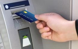 ATM rút tiền hàng ngày không an toàn như bạn nghĩ, đây thực chất là miếng mồi ngon lành cho hacker