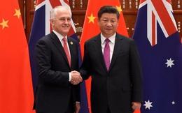 """Vừa gặp nhau, lãnh đạo Trung Quốc-Úc đã """"ăn miếng trả miếng"""""""