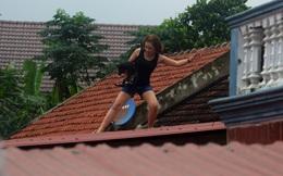 Lũ lên nhanh, người dân Quảng Bình leo lên mái nhà tránh nạn