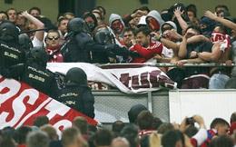 """Thua đau Real, CĐV Bayern """"đại náo"""" Bernabeu"""