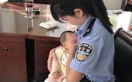Cho con của bị cáo bú trong lúc phiên tòa đang xử, nữ cảnh sát khiến nhiều người cảm động!