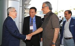 Chủ tịch AFC Shaikh Salman Bin Ebrahim Al Khalifa bất ngờ đến Việt Nam