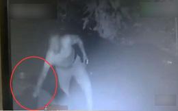 Chó nuôi trong thôn liên tục mất tích, người dân giận dữ phát hiện căn nguyên qua camera