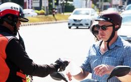 Khách Tây đi xe máy ở Đông Nam Á - trải nghiệm thú vị hay nguy cơ chết người?
