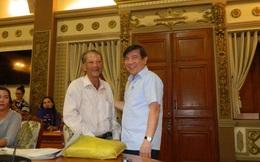 """Chủ tịch Nguyễn Thành Phong """"xử kiện"""""""