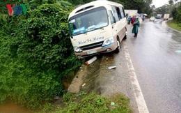 Xe khách suýt lao xuống vực, 8 người bị thương