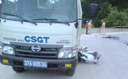 Chồng tử nạn, vợ trọng thương khi va chạm với xe tuần tra CSGT