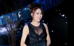 Phi Thanh Vân mặc nóng bỏng, ôm con đi tập hát