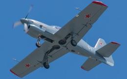 Chính thức: Yak-152 đào tạo phi công quân sự đã sơn và mang phù hiệu, chuẩn bị thay Yak-52