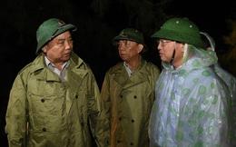 """Thủ tướng Nguyễn Xuân Phúc: """"Không để hồ thủy điện xả đập gây ra lũ ở vùng bão số 10 vừa đi qua"""""""