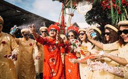 """Màn xuất hiện bất ngờ của cô dâu chú rể cùng đội bê lễ khiến khách mời """"choáng váng"""""""