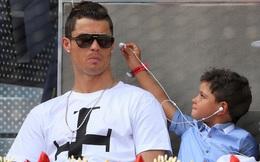 Bỏ ngang giải đấu, Ronaldo tức tốc đi gặp 2 con trai mới chào đời