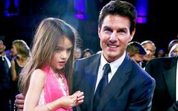 Suri Cruise đau buồn cầu xin bố Tom đến gặp bé sau 4 năm xa cách