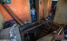 Tin chắc trong nhà có kho báu, người phụ nữ quyết định đào địa đạo tìm kiếm