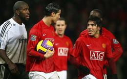 Cristiano Ronaldo làm gì khi Tevez tranh đá penalty 10 năm trước?