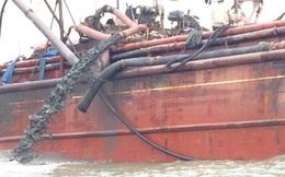 Người dân hoang mang vì tàu đổ chất thải ra biển làm nước đổi 3 màu
