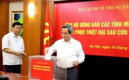 Ban Kinh tế TƯ ủng hộ đồng bào miền Trung khắc phục thiệt hại sau bão