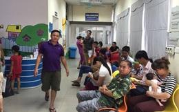 Bệnh viện đông đúc, ngột ngạt ngày nắng nóng kỷ lục trên 41 độ C ở Hà Nội