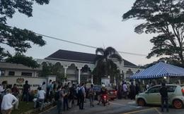 Phóng viên quốc tế đã có mặt trước cổng tòa án theo dõi phiên xét xử Đoàn Thị Hương