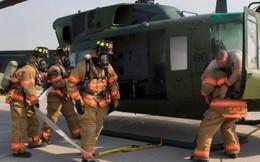 Vì sao trên trực thăng quân sự Mỹ có… gạt tàn thuốc lá?