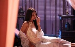 Cảnh nóng táo bạo của Thanh Hằng trong phim Mẹ chồng: Sự thật là... hụt hẫng!