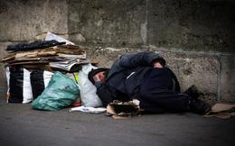 Giả nghèo khổ, nhà báo trẻ bất ngờ trước câu nói kỳ lạ của người vô gia cư