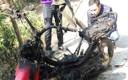 Chặn đánh, đốt xe để ngăn nhóm thanh niên vào làng tán tỉnh con gái