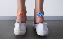 """Chỉ cần làm được 1 trong 7 điều sau thôi là bạn sẽ không sợ """"đổ máu"""" vì đôi giày mới nữa"""