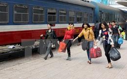 Nữ tiếp viên trả lại gần 100 triệu đồng khách để quên trên tàu