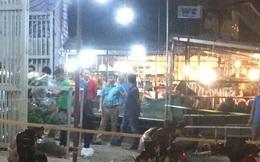 Hà Nội: Mâu thuẫn trong việc mua thùng xốp, 1 người bị đâm tử vong giữa chợ hoa