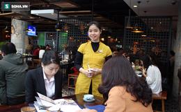 Nghề làm thêm dịp Tết: Phục vụ nhà hàng kiếm dễ tiền triệu