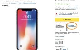 """Khách hàng phẫn nộ vì bị """"chém"""" thêm 100 USD khi mua iPhone X"""