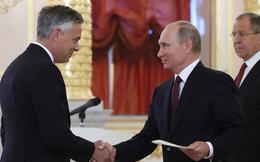 Đại sứ Mỹ trình quốc thư, ông Putin cảnh báo Mỹ đừng xía vào nội bộ Nga